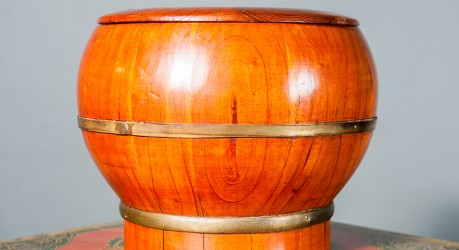 V1 – Wooden bowl with lid (LE)